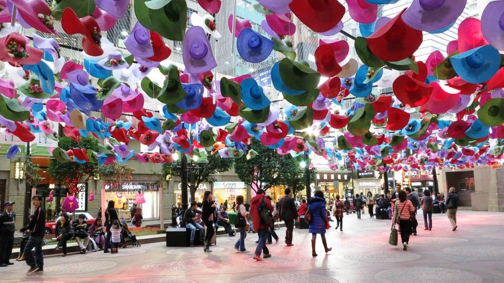 Một góc phố Hong Kong đầy màu sắc-s
