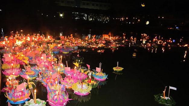 Rực rỡ lễ hội hoa đăng ở Thái Lan