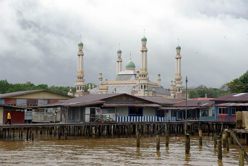 Kampong Ayer làng nổi lớn nhất thế giới tại Brunei