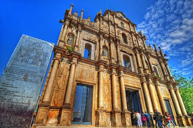 Ghé thăm nhà thờ thánh Paul nổi tiếng ở Macao