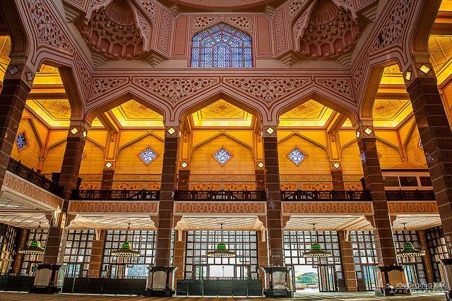 Tham quan đền thờ Hồi giáo Putra  ở Malaysia