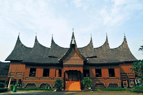 nhà sừng trâu của người Minangkabau
