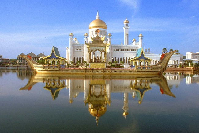 Tham quan thánh đường hồi giáo Sultan Omar Ali Saifuddin