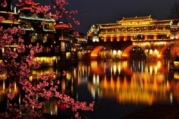 Vẻ đẹp của Phượng Hoàng cổ trấn