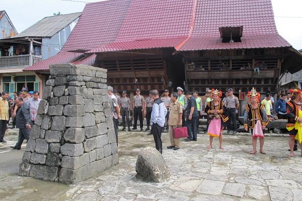 Hombo Batu lễ hội độc đáo của Indonesia