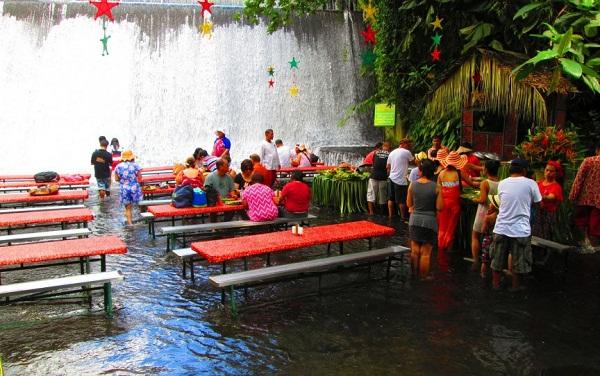 Ghé thăm nhà hàng thác nước Labassin ở Philippines