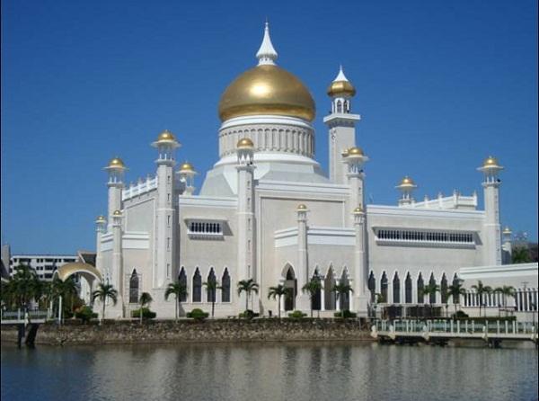 Thánh đường Masjid Omar Ali Saifuddien