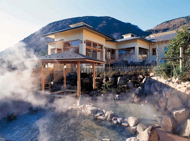 Tắm nước nóng kiều Nhật Bản