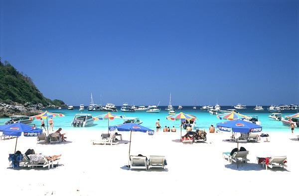 Bãi biển xanh, cát trắng