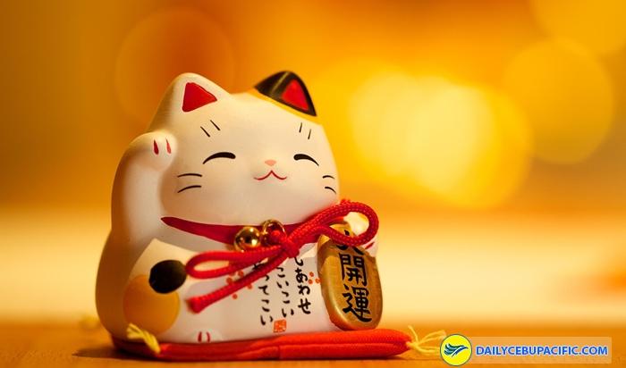 Maneki Neko là chú mèo thần tài mang đến may mắn về tiền bạc